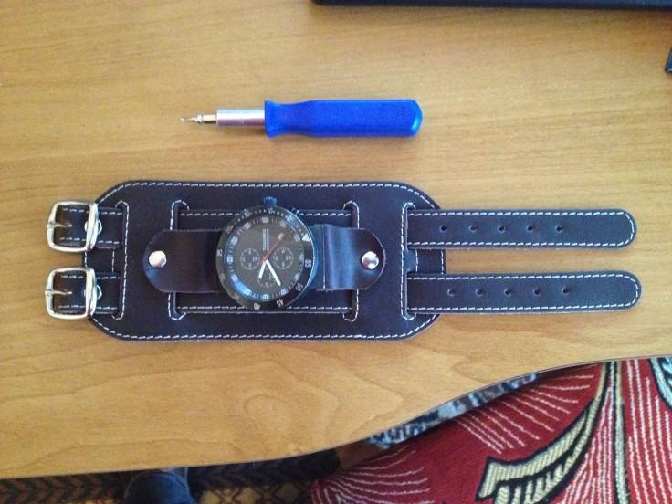 VWTouager Часы с нестандартным ремешком