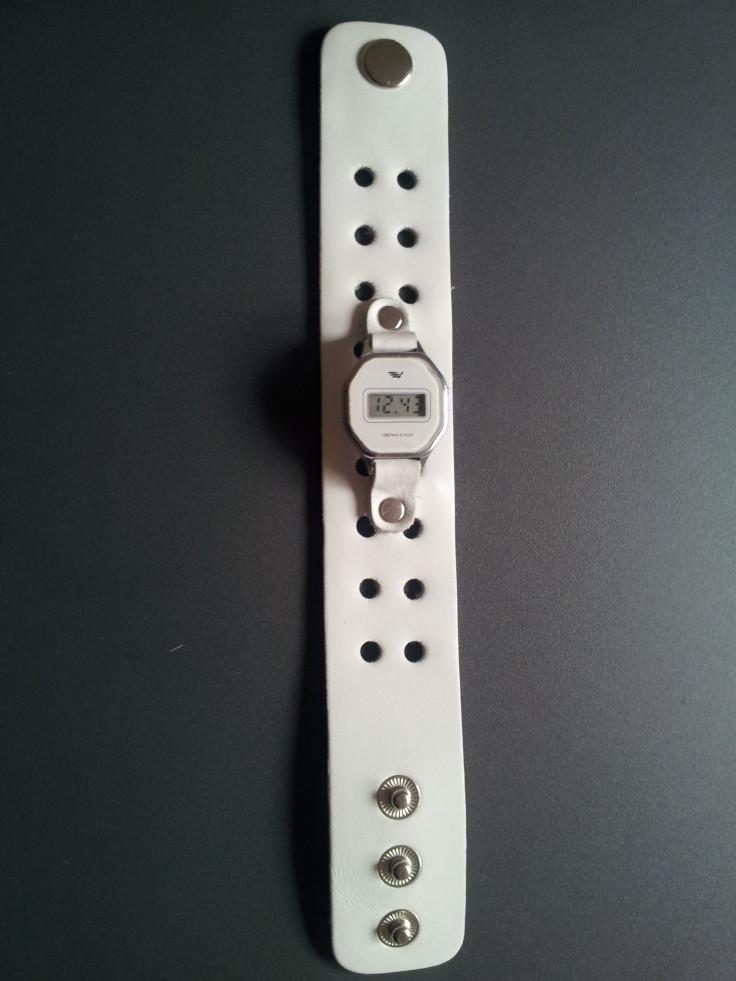 часы электроника на широком ремешке вся длина